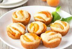 Brioșe cu caise | Click! Pofta Buna! Baby Food Recipes, Cooking Recipes, Balerina, Pretzel Bites, Muffins, Food And Drink, Cupcakes, Sweets, Bread
