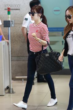 SNSD - casual top and white shoes