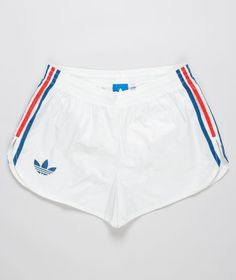 adidas Originals - 72 Arch Short - old school! Sporty Outfits, Summer Outfits, Girl Outfits, Cute Outfits, Fashion Outfits, Style Fashion, Shorts Adidas, Adidas Outfit, Looks Adidas