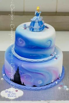 Pretty airbrushed cake/airbrushing techniques