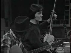 ▶ Hedy West - Little Sadie - YouTube