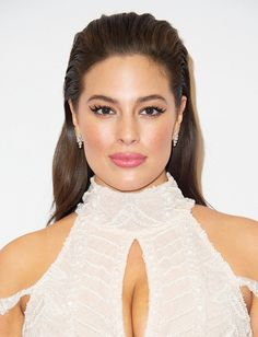 Ashley Graham's slicked-back hair and super long lashes are beautiful