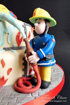 Great face on the fireman Fireman Birthday, Fireman Party, Baby Birthday, Fireman Sam Cake, Fireman Cupcakes, Fire Fighter Cake, Fondant Figures, Cakes For Boys, Fancy Cakes
