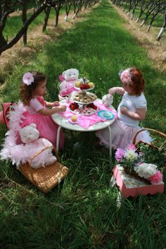 a tea party in a vineyard- so sweet!