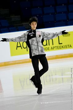 Yuzuru HANYU by zhem_chug, via Flickr