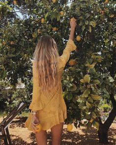 forever dreaming of european summer 🌙🕊🌾 insta: shinead. Marie Von Behrens, Selfie Foto, Hippie Stil, Foto Fashion, 90s Fashion, Spring Photos, Foto Instagram, Instagram Travel, Disney Instagram