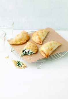 Chaussons épinards-ricotta Cheese, Snacks, Cooking, Ethnic Recipes, Empanadas, Food, Marie Claire, Collection, Cooker Recipes