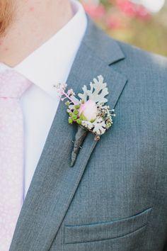 Single rose boutonierre by Isari Flower Studio. Blush pink wedding. Elegant and simple wedding.
