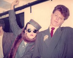 Rusty Egan, el DJ precursor del new wave Boy George, Camden Palace, Leigh Bowery, Techno, Blitz Kids, Round Sunglasses, Mens Sunglasses, Stranger Things Steve, Collage Art Mixed Media