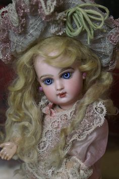 french dolls | Click on Doll Photo for Full Size Photo)