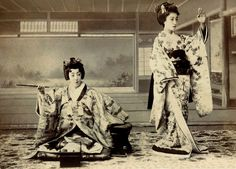 A Maiko in Two Poses 1900 | Flickr : partage de photos !