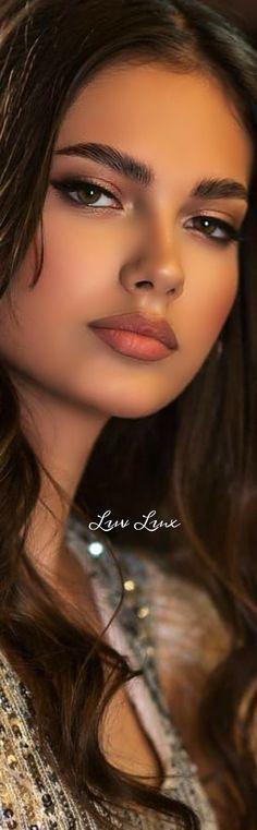 Most Beautiful Eyes, Beautiful Girl Indian, Gorgeous Women, Beauty Full Girl, Beauty Women, Brunette Beauty, Hair Beauty, Model Face, Woman Face