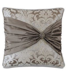 Creative And Inexpensive Tricks: Large Decorative Pillows Area Rugs decorative pillows beach guest rooms.Decorative Pillows Ideas Tutorials decorative pillows on bed how to make.Decorative Pillows On Sofa Benches. Bow Pillows, Sewing Pillows, Throw Pillow, Cushion Cover Designs, Cushion Covers, Decoration Shabby, Pillow Crafts, Luxury Bedding Collections, How To Make Pillows