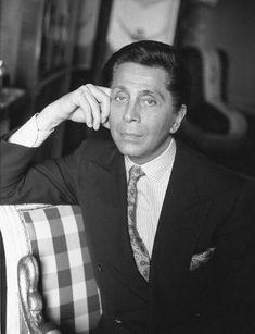 Valentino Garavani ha rivoluzionato il mondo della moda italiana e internazionale. #valentinovintage