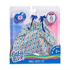 This adorable Baby Alive Single Outfit Set, Wave unique outfits so your little one can dress his or her favorite dolls in the latest tren. Baby Alive Doll Clothes, Baby Alive Dolls, Little Girl Toys, Toys For Girls, Baby Girls, Muñeca Baby Alive, Baby Doll Strollers, Real Life Baby Dolls, Toddler Christmas Gifts