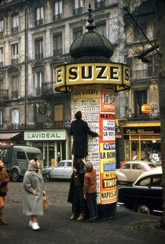 Robert Doisneau The ascent of the column Morris, Paris, 1957