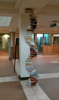 """""""Book Spiral"""" - Claudia Kleefeld - in my own place of employment Teen Library Space, Library Books, Shelving Design, Shelf Design, Library Inspiration, Library Ideas, Public Library Design, Library Displays, Book Displays"""
