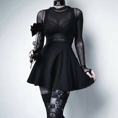 Top Gothic Fashion Tips To Keep You In Style. As trends change, and you age, be willing to alter your style so that you can always look your best. Consistently using good gothic fashion sense can help Grunge Outfits, Style Outfits, Tomboy Outfits, Gothic Outfits, Mode Outfits, Fashion Outfits, Style Fashion, Fashion Ideas, Fashion Clothes