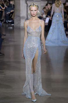 Georges Hobeika Fashion Show Haute Couture Spring-Summer 2018 Paris Women's Dresses, Pretty Dresses, Fashion Dresses, Fashion Poses, Club Dresses, Spring Dresses, Fashion Editorials, Dresses Online, Runway Fashion