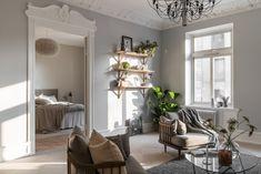 Bright one bedroom apartment in Sweden - Home Design Ideas One Bedroom Apartment, Home Bedroom, Apartment Ideas, Country Furniture, White Furniture, Cheap Home Decor, Diy Home Decor, Scandinavian Interior Design, Design Interior