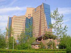 Architectenbureau Alberts en Van Huut - Wikipedia
