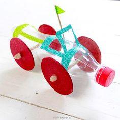 Confira como Faz Carrinho Infantil com Reciclagem de Garrafa Pet Recycled Toys, Recycled Art Projects, Recycled Crafts, Projects For Kids, Diy For Kids, Diy And Crafts, Crafts For Kids, Plastic Bottle Crafts, Recycle Plastic Bottles