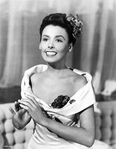 Lena Horne - Still beautiful and in terrific voice, Horne went strong into the '90s, attaining the rare status of Living Legend. She died in 2010 at the age of 92. http://www.imdb.com/name/nm0395043/bio
