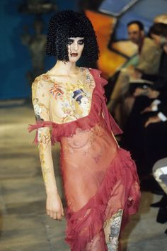 John Galliano Fall 1997 Ready-to-Wear Collection Photos - Vogue Couture Fashion, Fashion Art, Runway Fashion, High Fashion, Fashion Show, Fashion Looks, Fashion Design, Dior Couture, Galliano Dior