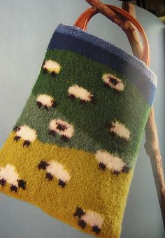 lovely felted purse                                                       SHEEPS!