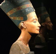 Ticia Verveer (@ticiaverveer) | Twitter Discovered in 1912, the bust of Nefertiti is one of the most iconic ancient Egyptian artifacts.  ca. 1345 B.C. at Neues Museum in Berlin