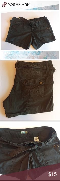 "Dark Green cargo shorts. Paris Blues size 17 juniors cargo shorts. 19"" waist and 4.5"" inseam. Tie belt and snap fly. Very adorable. Worn once. Paris Blues Shorts"