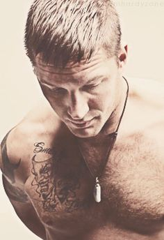 Tom Hardy .....my all time favorite picture..already pinned...don't care