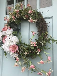 45 Charming Handmade Floral Spring Wreath Designs To Refresh Your Front Door Diy Spring Wreath, Diy Wreath, Holiday Wreaths, Tulle Wreath, Winter Wreaths, Burlap Wreaths, Grapevine Wreath, Indoor Wreath, Outdoor Wreaths