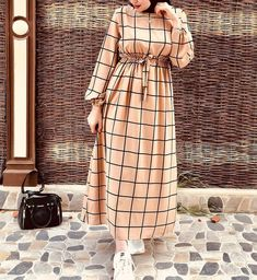 fashion hijab (Yes ) or ( No) Write Your Comment . Tag Your friend Me My Queens Me For More fashion_forqueens Modest Fashion Hijab, Modern Hijab Fashion, Muslim Women Fashion, Hijab Fashion Inspiration, Abaya Fashion, Hijab Mode, Mode Abaya, Modest Dresses, Stylish Dresses