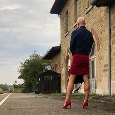 Feminine Dress, Feminine Style, Men Wearing Skirts, Male To Female Transformation, Men In Heels, Real Men, Androgynous, Male Beauty, Crossdressers