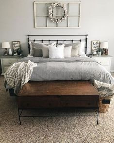 Fabulous Large master bedroom remodel,Rustic bedroom remodel paint colors and Guest bedroom remodel ideas. Modern Farmhouse Bedroom, Farmhouse Master Bedroom, Master Bedroom Design, Home Decor Bedroom, Modern Bedroom, Farmhouse Decor, Rustic Decor, Bedroom Designs, Apartment Master Bedroom