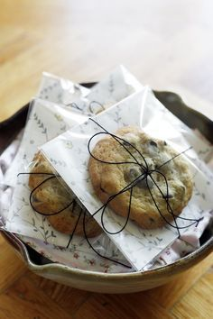 really pretty and simple way to package homemade cookies via youaremyfave.com