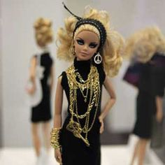 Ha lol i really like those earring and that dress and the jewlery but not the head band