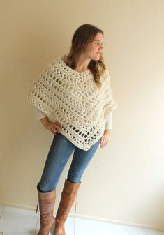 Chunky version of Haak Trend's poncho pattern (free on Ravelery) - pinned by pin4etsy.com