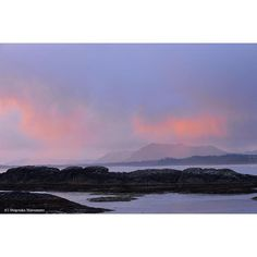 【spiritbear.jp】さんのInstagramをピンしています。 《Coast in dusk. CHESTERMAN BEACH, Vancouver Island BC Canada. #vancouverisland #canada #britishcolumbia #pacificrimnationalpark #westcoast #longbeach #coast #shoreline #island #naturephotography #landscape #beach #forest #dusk #evening #tofino #カナダ #バンクーバー島 #パシフィックリム国立公園 #西海岸 #海岸 #夕暮れ時 #自然写真 #風景写真 #島 #森 #太平洋 #波打ち際》