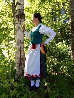 Costumes Around The World, Folk Costume, Finland, Art Reference, Apron, Nostalgia, Beautiful Pictures, Traditional, Beauty