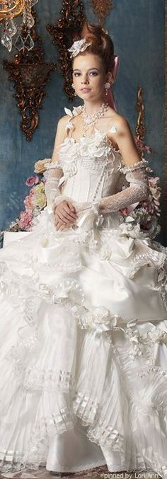 Stella de Libero... Dresse Wedding Who would not want to get married in one of Ms. De Libero's dresses?