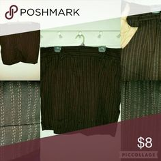 Shorts Brown short with pink thread lines, pockets in front and one in the back, the belt loops have buttons Espresso Shorts Skorts
