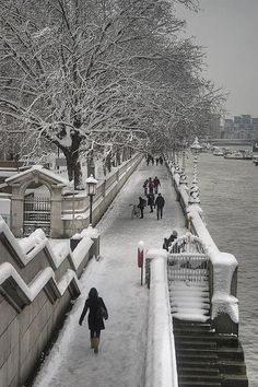 Snowy Day, South Bank, London, England