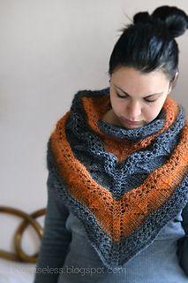 Kuura_knit_shawl_bicolor_-_scialle_a_maglia_grigio_e_arancione_small2