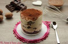 Il tiramisù al baileys con noci e cioccolato è una deliziosa variante al classico tiramisù, arricchita con baileys, noci tritate e cioccolato!