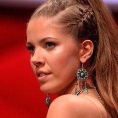 neo braids | Erich Klann: Starporträt mit Steckbrief und Bildern | GALA.DE Erich Klann, Star Wars, Diamond Earrings, Drop Earrings, Lets Dance, Trends, Hairstyles, Beauty, Stars