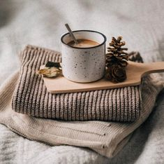 New Photography Hacks Landscape Ideas Coffee And Books, Coffee Love, Best Coffee, Coffee Shop, Drink Coffee, Coffee Coffee, Coffee Maker, Coffee Photography, Food Photography