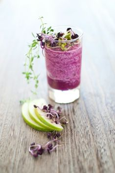 Red cabbage + Granny Smith apple smoothie. Beautifully healthy & delish.