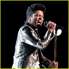 Bruno Mars: Super Bowl Halftime Show 2014 (Video) – WATCH NOW! | 2014 Super Bowl, Anthony Kiedis, Bruno Mars, Flea, Red Hot Chili Peppers : Just Jared